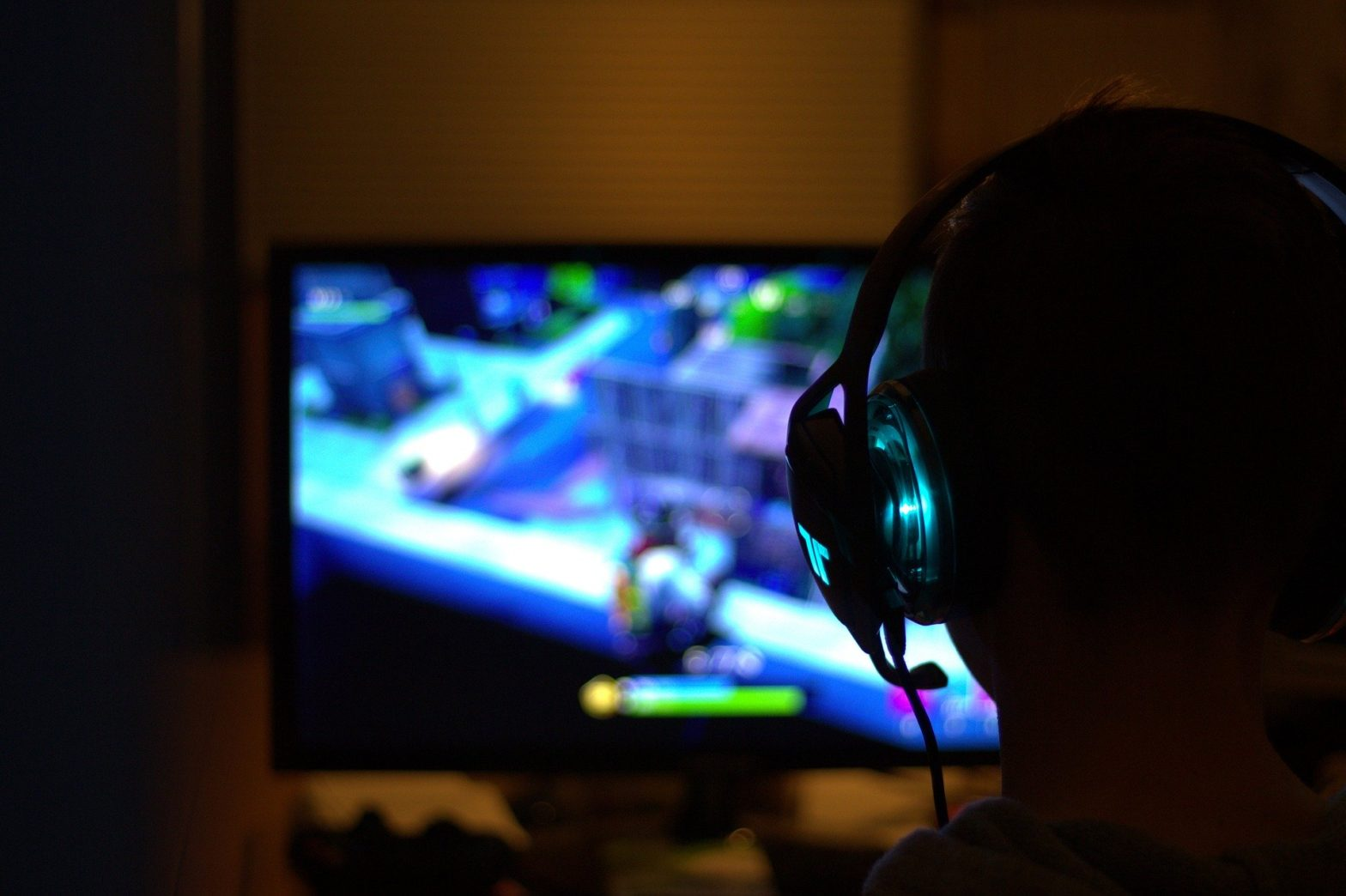 121 FIFM - How Multiplayer Online Video Games Teach You to be a Massive Consumer